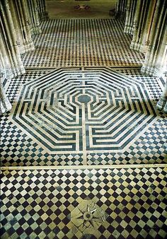 This octagonal labyrinth is located in Saint Quentin basilica in France. The church was designed to represent the journey to human completion. The one who arrives at the centre of the labyrinth must transcend the ordinary self in order to realize Being. This is a point of balance symbolizing the union of the vertical and the horizontal forces (heaven and earth).❤️☀️