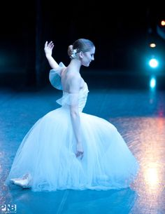 Carla Körbes, «Giselle», Pacific Northwest Ballet - Photographer Angela Sterling