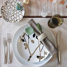place setting that's luxe and ironically earthy?