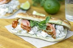 Salmon Sandwich, Fresh Rolls, Sandwiches, Koti, Salad, Dinner, Ethnic Recipes, Dining, Food Dinners