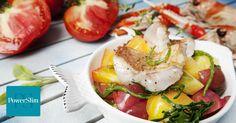 Heerlijk zacht gegaarde rode snapperfilet op smaak gemaakt met tijm, knoflook en cayennepeper op een bedje van geroosterde tomaatjes en zeekraal.