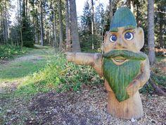 Der Wasserwichtelwanderweg in Kirchschlag bei Linz Buggy, Freundlich, Garden Sculpture, Museum, Places, Outdoor Decor, Ski Resorts, Alpacas, Linz