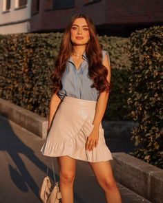 Teen Fashion Outfits, Fashion Dresses, Funny Study Quotes, Girl Photography, Fantasy Photography, Holiday Outfits, Frocks, Party Wear, Your Favorite