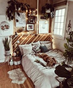 This is another captivating bohemian style house decor idea that is revealing the very beautiful use of the wooden material. Yes, it is important to have a pure wooden texture in your house decoration if you are really in love with bohemian style designs. No matters it is on the bed, floor or even on the wall paneling.