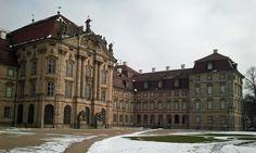 Das Schloss Weißenstein ist ein fränkisches Barockschloss aus dem 18. Jhh. mit einem großen Schlossgarten, der täglich besichtigt werden kann. Die leichte Rundwanderung führt durch die Schlossanlag…