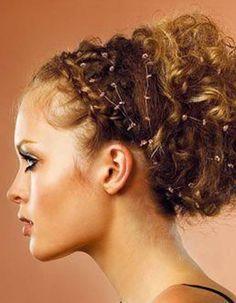 Cheveux bouclés automne-hiver 2016 - Cheveux bouclés : quelques idées de coiffures pour les sublimer  - Elle