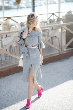PINK MULES – Mi Aventura Con La Moda. Grey bell sleeves ruffle midi dress+fuchsia mules+nude and pink chain shoulder bag+prited scarf like bel+glasses. Spring Dressy Casual Outfit 2017