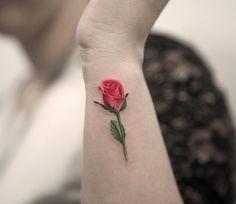 Increible Flor Rosa por Joice Wang Bang Bang Tattoo