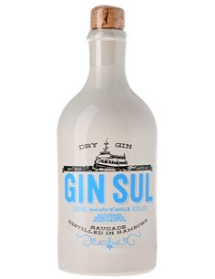 Gin Sul from Hamburg. Liquor Drinks, Wine And Liquor, Alcoholic Drinks, Beverages, Cocktails, Cocktail Drinks, Ginger Ale Gin, London Gin, Gin Distillery