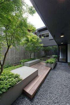 Urban Garden Design courtyard / Casa FFF by Pallaoro Balzan e Associati Small Courtyard Gardens, Small Courtyards, Small Backyard Gardens, Backyard Garden Design, Outdoor Gardens, Modern Gardens, Garden Modern, Small Terrace, Garden Villa