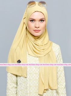 Abbigliameto Halal Islamico Negozio Online  #islamic #hijab #modest #fashion product  Jersey Combed Cotton Shawl - Green - Rabia Z - Fabric Info:  100% Combed Cotton    Weight: 0.226 kg  Sizes:  Width: 75 cm  Height: 200 cm - SKU: 200466. Buy now at http://muslimas-shop.com/jersey-combed-cotton-shawl-green-rabia-z200466.html