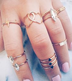 I have always wanted to find enough rings to wear them like this... But I got some Fat fingers lol