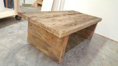 Salontafel volledig gemaakt van eikenhout met prachtige dikke balken als poten Decor, Side Table, Furniture, Table, Home, Home Decor