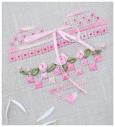 Pequeño corazón en rosa para decorar cojines, cuadros, ropa, almohadas, etc.