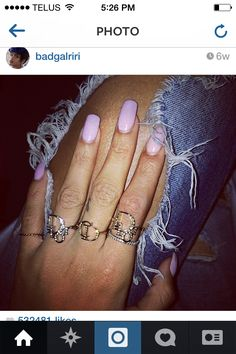 There are 2 tips to buy jewels, gold ring, dior, rihanna, jeans. Blush Pink Nails, Light Pink Nails, Pastel Nails, Pastel Pink, Lilac, Rihanna Nails, Rihanna Fenty, Dior Ring, Celebrity Nails