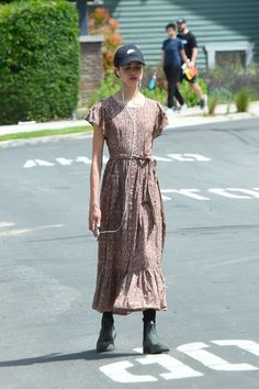 Margaret Qualley, Aesthetic Girl, Summer Outfits, Street Style, Shirt Dress, My Style, Silhouettes, Womens Fashion, People