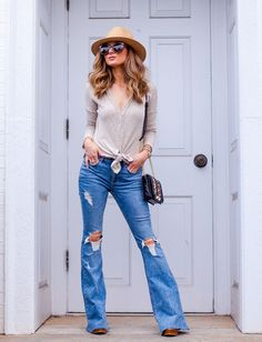 How To Style Flared Jeans For Fall Flare Jeans b92df8bf1900