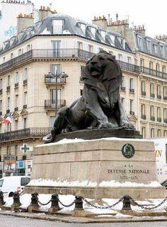 Paris de mes Amours  Place Denfert Rochereau,Paris 14ème le Lion de Belfort