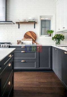 Grey kitchen ideas brings an excellent breakthrough idea in designing our kitchen. Grey kitchen color will make our kitchen look expensive and luxury. Grey Kitchen Designs, Design Your Kitchen, Kitchen Cabinet Design, Kitchen Storage, Cabinet Storage, Pantry Storage, Extra Storage, Kitchen Organization, Storage Organization