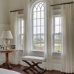JRL Interiors — Designing Curtains for Challenging Windows - Palladian window draperies in a house on Martha's Vineyard by Patrick Ahearn, architect - Curtains For Arched Windows, Bedroom Windows, Sheer Curtains, Arch Windows, Gothic Windows, Tall Window Curtains, Elegant Curtains, Bedroom Curtains, Picture Window Curtains