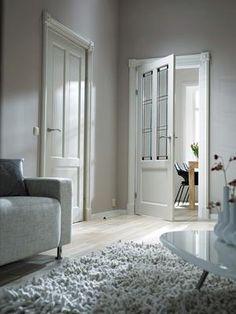 Bekijk de foto van skantrae met als titel Skantrae Original binnendeuren. Paneeldeur: SKS 274. Paneeldeur met glas: SKS 240 met glas-in-lood: 20. en andere inspirerende plaatjes op Welke.nl.