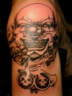 http://www.stopdiscriminatingtattoos.com/2012/04/evil-clown-tattoo.html