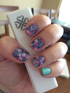 Jamberry Nails Ditsy Floral wrap with Hint of Mint lacquer. Get it on my website http://stephanierobson.jamberrynails.net