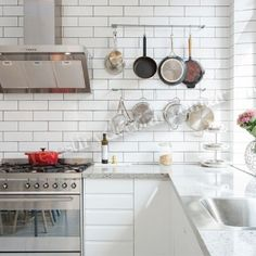 Cerámica blanca tipo ingles 15x7,5. #ceramica #revestirydecorar #piso #pared #revestimiento #decoracion