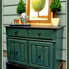 Just added my InLinkz link here: http://www.virginiasweetpea.com/2014/09/themed-furniture-makeover-day-two-tone-lane-cedar-chest.html