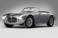 Logo após ter completado o número de 50 mil unidades já fabricadas, a Maserati também acaba de completar 100 anos de história este ano, um feito que combino