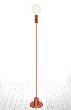 Bright golvlampa från Globen Lighting hos ConfidentLiving.se