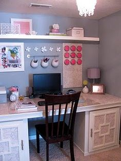 Wallpaper and crafts to personalize your work space