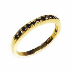 Thisis aband pavering set with fancydiamonds. The ring set with 11 fancy diamonds, round brilliant cut, color is black, clarity is eye clean in ranges of VS-SI, average carat weight is 0.26 carat.(Thering is available with any kind of diamonds, fancy diamonds & gemstones, pleasecontact usfor more Information)What's my ring size?>>