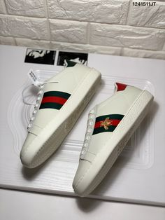 89b076fb172 Gucci ace sneakers embroidered bee white leather shoes 115