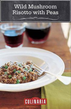 Mushroom lovers unite! This wild mushroom risotto with peas has an intense mushroom flavor, thanks to the use of fresh mushrooms and a porcini-infused broth. #mushroom #risotto #vegetarian #giada Risotto Recipes, Pasta Recipes, Cooking Recipes, Cooking Tips, Mushroom Rice, Mushroom Risotto, Veggie Recipes, Vegetarian Recipes, Veggie Food