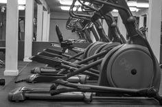 Descubre las rutinas a seguir para perder peso con la bicicleta elíptica.