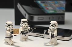 Trolling your devices Lego Stormtrooper, Starwars Lego, Lego Star Wars, Lego Humor, Aniversario Star Wars, Legos, Super Troopers, Lego Pictures, Star Wars Facts