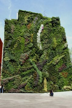 urban vertical gardening | caixa forum, madrid | design: patrick blanc
