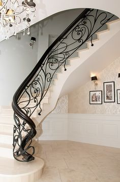 Drzwi drewniane wewnętrzne i zewnętrzne - Gierszewski Staircase Railing Design, Luxury Staircase, Wrought Iron Stair Railing, Wrought Iron Doors, Curved Staircase, Metal Stairs, Posh Houses, Indoor Railing, Modern House Facades
