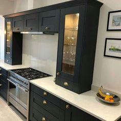 Lyskam White Apollo Quartz, Via Benchmarx Benchmarx Kitchen, Kitchen Ideas, Kitchen Cabinets, Charcoal Kitchen, Colour Board, Joinery, Apollo, New Homes, Quartz