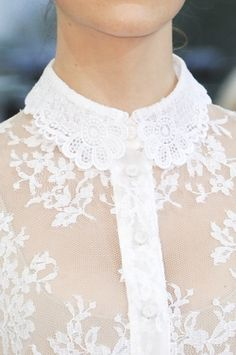 Lace collar detail ✿⊱╮