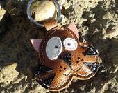 Un joli petit Tommy le chat cuir porte-clé : Porte clés par triballi