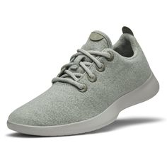 Size: 7  $95 A remarkable shoe that's soft, lightweight, breathable, and fits your every move.