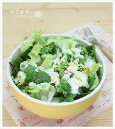 소스가 너무 맛있어요~~ 바나나요구르트샐러드 – 레시피 | 다음 요리 A Food, Food And Drink, Cooking Recipes, Healthy Recipes, Korean Food, Kimchi, Lettuce, Side Dishes, Cabbage