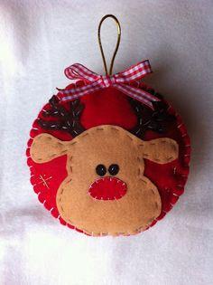 Addobbi per l'albero!     Buon pomeriggio! Oggi vi propongo i miei nuovi addobbi per l'albero di Natale! ho scelto di cucire su base rotond...