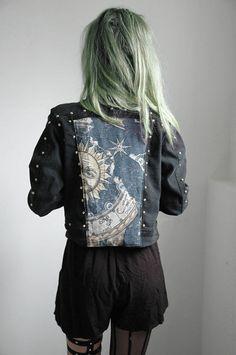 justlostmyfuckingmind:    crystal—moon:    HOLY FASHION.✝