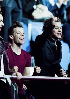 First Football, Football Match, Harry Styles, Mutual Respect, Louis And Harry, I Love You Forever, 16 Year Old, Larry Stylinson, Im In Love