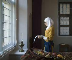 Moroccan Vermeer - Als reactie op de groeiende xenofobie en Islamfobie in Nederland en Europa maakte fotograaf Jan Banning (Almelo 1954) de serie National Identities, waarin hij immigranten een hoofdrol gaf in fotografische variaties op klassieke, iconische schilderijen.