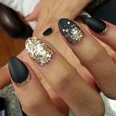 thenailboss @thenailboss Morning matte #no...Instagram photo   Websta (Webstagram) #mattenails #glitternails #blacknails