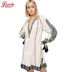 Curto roupas bohemian dress women 2017 new vintage boho túnica de algodão  bordado branco khaki mulheres soltas vestidos de manga longa em Vestidos de  Das ... 02fab0a4cdf15